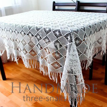 "Hand crocheted tablecloth ""Winter Dream"""