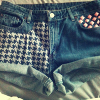 Retro 1950s inspired HOUNDSTOOTH Pink Studded Shorts