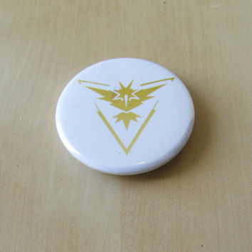 Pokemon GO Team Instinct ~ 1.75 Inch