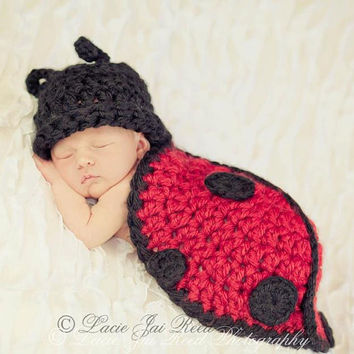 Crochet Ladybug Shell Cover - Newborn Photo Prop - Crochet Ladybug - Newborn Body Cape - Crochet Baby Snug Rug - Crochet Hat