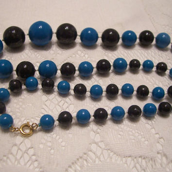 Vintage Beads Necklace in a Bright Blue and Back. Mid-Century