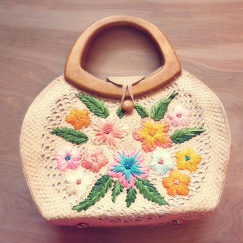 Vintage Straw Purse with Embroidered Flower Designs and Wooden Handle