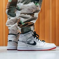 Air Jordan Mid AJ1 personality fashion anti-wear mid-cushion cushioning wear-resistant basketball shoes