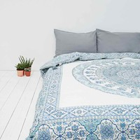 Devi Medallion Tasseled Quilt in Blue - Urban Outfitters