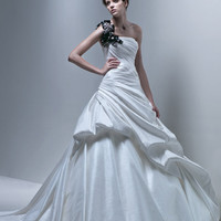 Specials on  Bridal Gowns and Discount Briddemaids wedding dress  - Sweethearts Bridal Boutique Sydney - Sweethearts Bridal