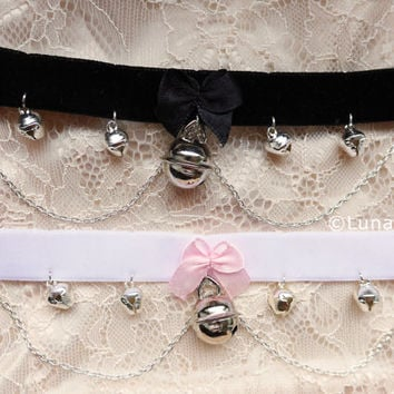 choker necklace with bells, bow and chains, black or white velvet, cute, cat, kitten play, kawaii, silver,gift,jewelry