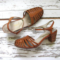 70s brown leather sandals. stacked wooden heels / women's shoes size 6