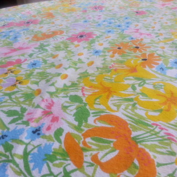 "1980's Summer Floral Oval  Tablecloth Tiger Lily Daisy Bright Pastel Colors 88"" by 72"""