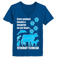 Every Patient Leaves A Footprint On My Heart Veterinary Technician - Ladies' V-Neck T-Shirt