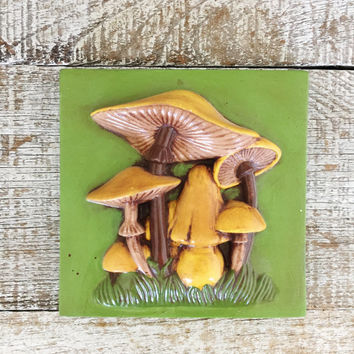 Retro Wall Art Vintage Mushroom Wall Art Retro Ceramic Mushroom Wall Plaque Mid Century Kitchen Wall Art Hand Painted Art Retro Kitchen