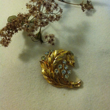 Gold Leaf Brooch Vintage JJ Jonette Detailed Curled Double Leaf Pin With White Rhinestones Fall Christmas Winter Brooch Woodland Theme Gift