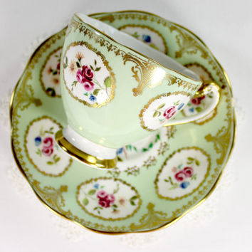Roslyn Footed Tea Cup, Teacup and Saucer,  Bone China, Made in England 12444