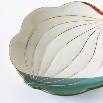 Vintage Asian Serving Plate Abstract Leaf Sushi Sashimi Green Cinnabar