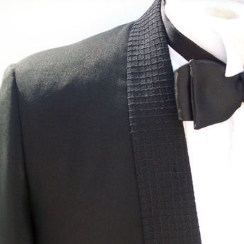 HALF OFF SALE Vintage 1950s Men's Black on Black by landmvintage