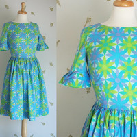 1960's Day Dress / Daisy Floral Pattern / Turquoise, Spring Green + Lavender / Small / 60's Vintage