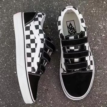 shosouvenir  VANS Black / white fashion casual shoes