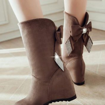 Round Toe Flat Within The Higher Bow Rhinestone Boots
