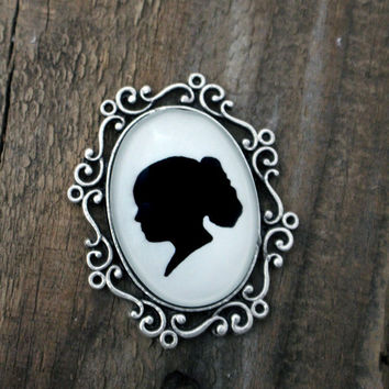 Custom Silhouette Brooch / Broche / Pin