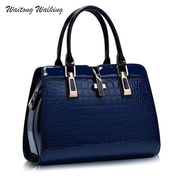 Luxury Women Bag Leather Alligator Handbags Designer Cross Buckle Brand Meaaenger Vintage Shoulder Bags Bolsa Feminina b201