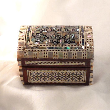 Delicate Rose II   Handmade Egyptian Mother of Pearl Jewelry Box