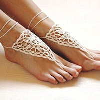 1 X Ivory crochet barefoot sandals/Nude shoes/Foot jewelry/Bridesmaid accessory/Yoga shoes/ Beach accessory/Beach wedding/Belly dance/Anklet