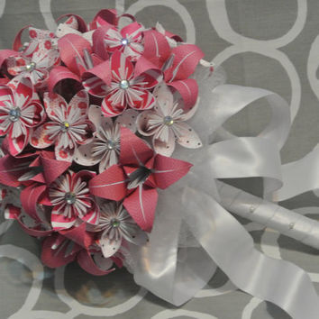 Wedding Bouquet / Pink and White Kusudama and Lily Origami Flower Bouquet / Paper Flower Bouquet /Modern Wedding Bouquet