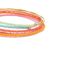 Colorful Beaded Bangle Bracelets // Set of 5 // Thin Gold Bangle Bracelets // Handmade Eco-Friendly Jewelry // Mint Coral Seed Beads / Gift