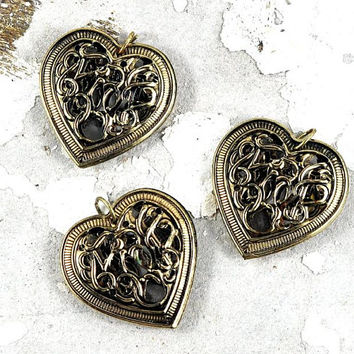 Gold Filigree Metal Heart Pendant - 28 x 28mm - wedding favours - bridal shower favours - Valentines - Jewellery and Craft Supplies