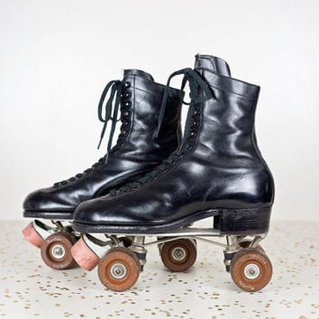 retro womens roller skates size 9 / Betty Lytle Hyde roller skates women size 10.5 / antique 1950 lace up roller derby skates