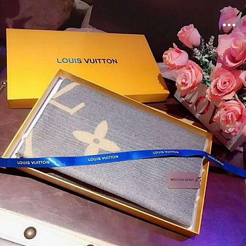 LV Louis Vuitton Winter Popular Women Men Stylish Warm Tassel Cashmere Cape Scarf Scarves Shawl Accessories
