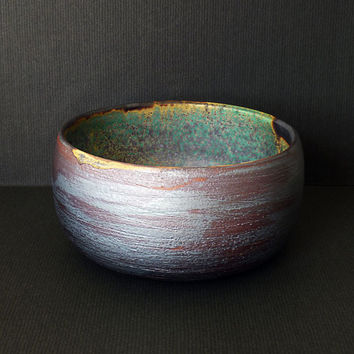 Olive green pottery bowl with brown speckles. Green brown ceramic bowl. Simple serving bowl. Salad bowl. Speckled pottery Rustic home decor.