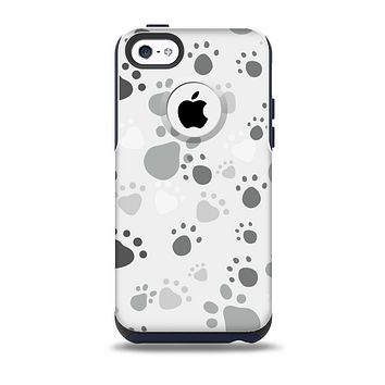 The Gray & White Large Paw Prints Skin for the iPhone 5c OtterBox Commuter Case