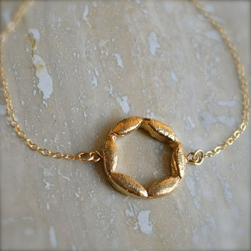 Gold Circle Bracelet With Star Shape by illuminancejewelry on Etsy