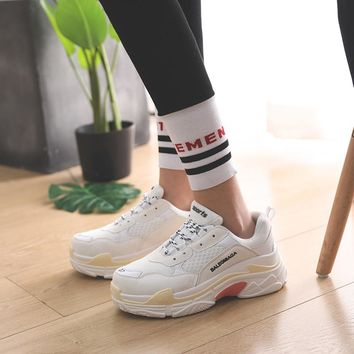 Vintage Dad Women Shoes 2018 Kanye West Fashion Mesh Light Breathable Women Casual Shoes Women Sneakers Zapatos Hombre   5