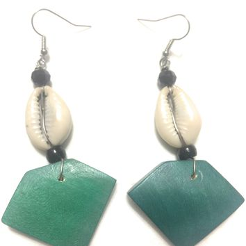 Cowrie Shell Earring w green wood bead anchor by Doorstoafrica
