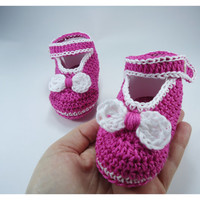 "Crochet Baby shoes, Baby shoes, Custom baby shoes, fashion baby shoes, baby accessories with a little bow - Pink Version -Up to 12 cm (4.7"")"
