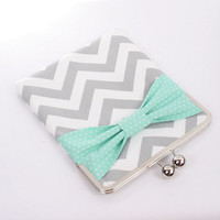 iPad Case, iPad Air Sleeve, iPad Air Case, iPad Sleeve, iPad 2 Case, iPad 2 Sleeve, iPad 5 Case, iPad 5 Sleeve - Gray Chevron Mint Bow