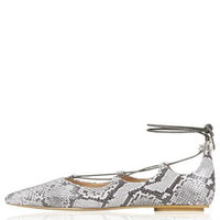 KINGDOM Snake-Effect Ghillie Pointed Flats - Multi