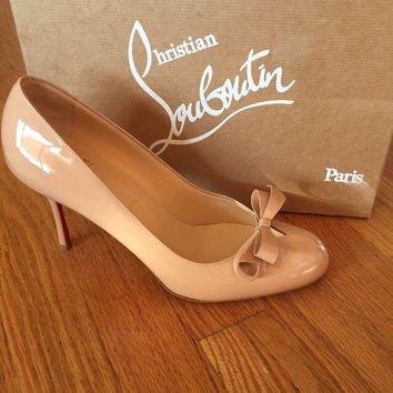 New Christian Louboutin vinodo Bow Cutout 85 Mm Nude Patent Leather 39 / 9 $745
