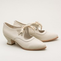 Gibson Teardrop 1920s Shoes by American Duchess (Ivory)