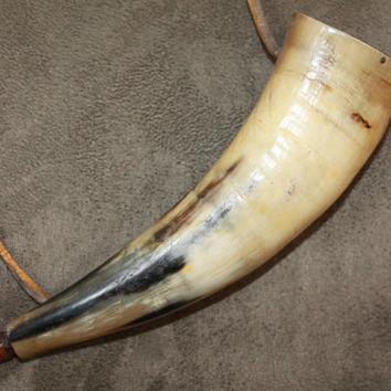 Powder Horn, Vintage Powder Horn, Man Cave Decor, Rustic Decor, Log Cabin Decor, Western Powder Horn, Western Decor, Old West