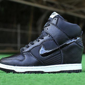 quality design 20142 e4e2d Nike Dunk Sky Hi Essential Inside Heighten woman Leisure High Help Board  Shoes10
