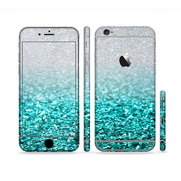 The Tiffany Blue & Silver Glimmer Fade Sectioned Skin Series for the Apple iPhone 6s Plus