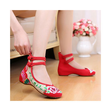 Cowhell Sole Embroidered Shoes Increased within National Style Old Beijing Cloth Shoes Buckle Woman Shoes  red