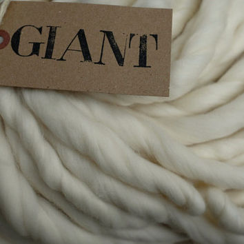 "GIANT MERINO Handspun Undyed  Yarn 10,5 oz/ 300 gr - Blanket Yarn - Super Chunky Yarn   ""  natural WHITE """
