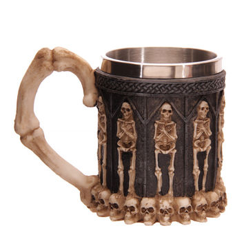2pcs Hot selling Striking 3D Stereo Skull Warrior Tankard Viking Skull Beer Mug Gothic Helmet Drinkware Vessel Halloween Gifts