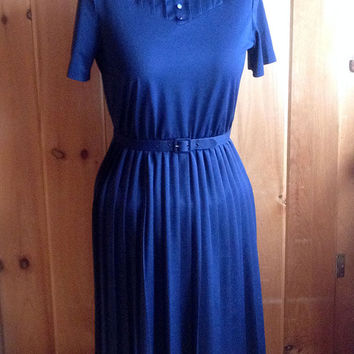 Vintage dress | Navy blue dress with pleated skirt