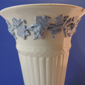 Queensware by Wedgwood Vintage Vase made in England Etruria & Barlaston
