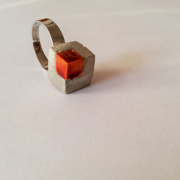 SALE - Concrete and wood ring - cube