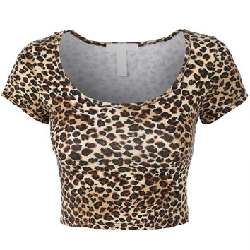 LE3NO Womens Fitted Short Sleeve Crop Top with Stretch